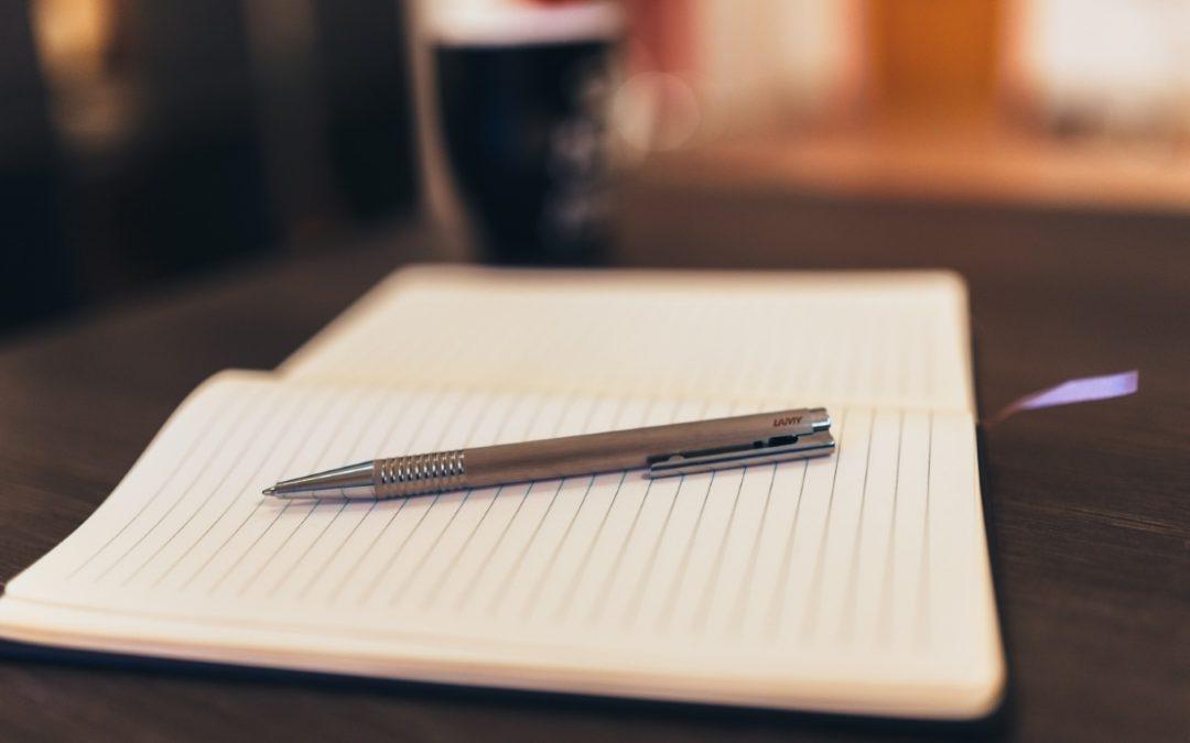 Vous souhaitez structurer l'écriture de votre livre : lisez notre Guide de l'écriture